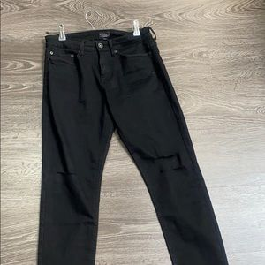 black distressed stretchy jeans